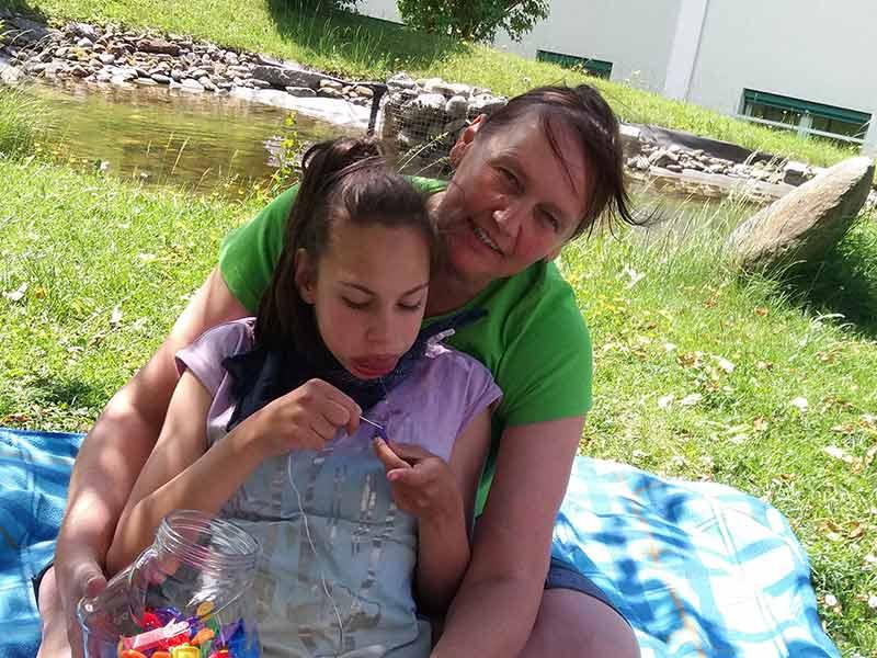 Schritt für Schritt - Verein zur Förderung behinderter Kinder - Kindertherapie