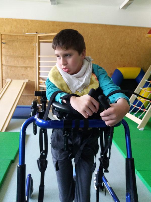 Physiotherapie für Kinder bei Schritt für Schritt in Tirol