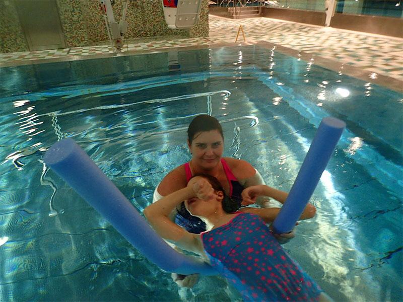Schwimmtraining für behinderte Kinder Tirol
