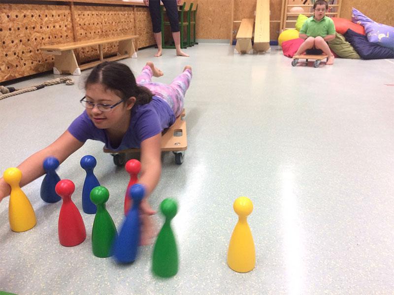 Schritt für Schritt - Verein zur Förderung behinderter Kinder - Kinder-Physiotherapie