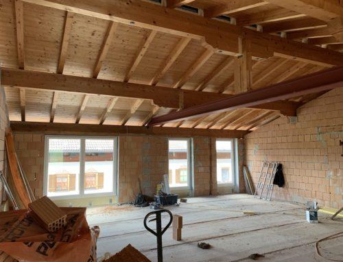 Baufortschritt Lilienhof Schwoich: die Fenster sind drinnen